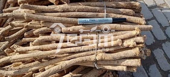 岷县药材市场64元/kg成交的黄芪节子